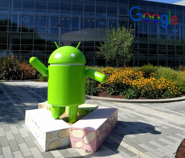 Android Nougat Statue